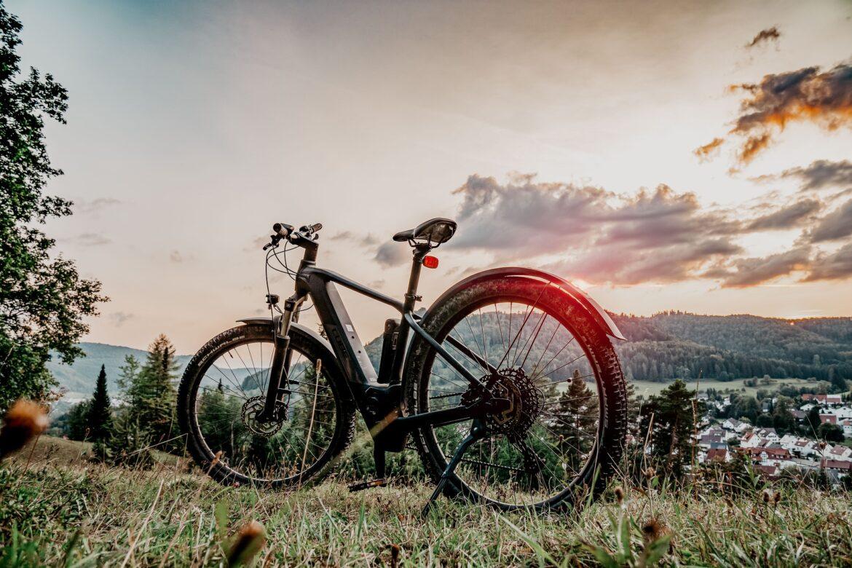 Tre consigli per guidare la tua bici elettrica al buio